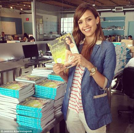 Джессика Альба выпустила книгу