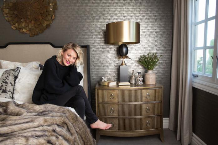 Кейли Куоко показала декор спальни